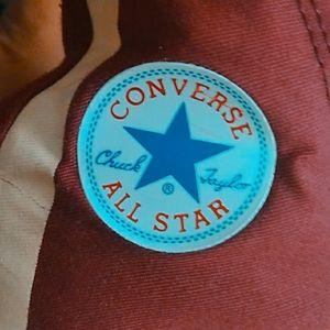 Converse- Mens 6 Women 4